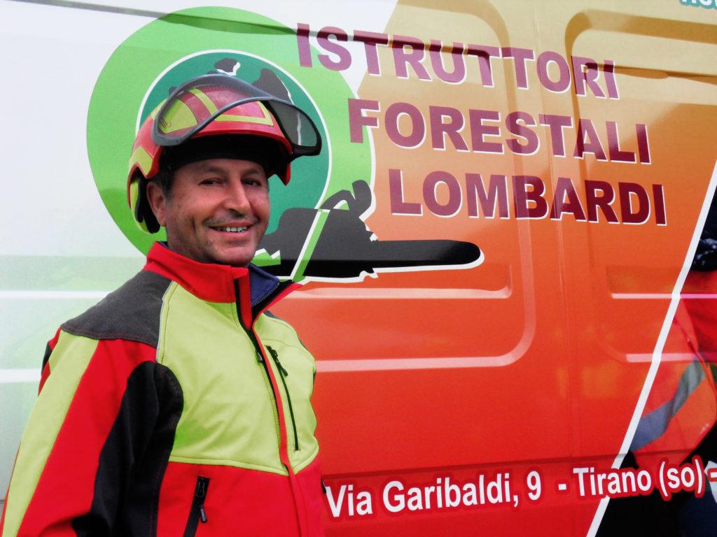 Squadra al completo degli Istruttori Forestali Lombardi